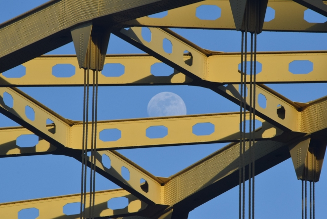 full moon fort pitt bridge pittsburgh
