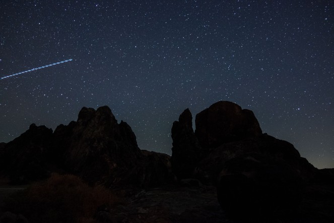 stars starry sky night mountains California rock formation