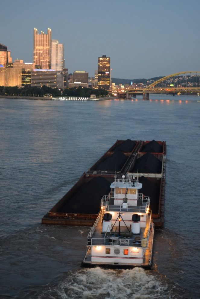 coal barge ohio river pittsburgh fort pitt bridge